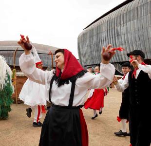 La Tarantella del Carnevale. Maschere, danze, canti, musiche e strumenti della tradizione del Carnevale